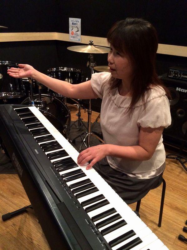 「キーボードとピアノレッスン」
