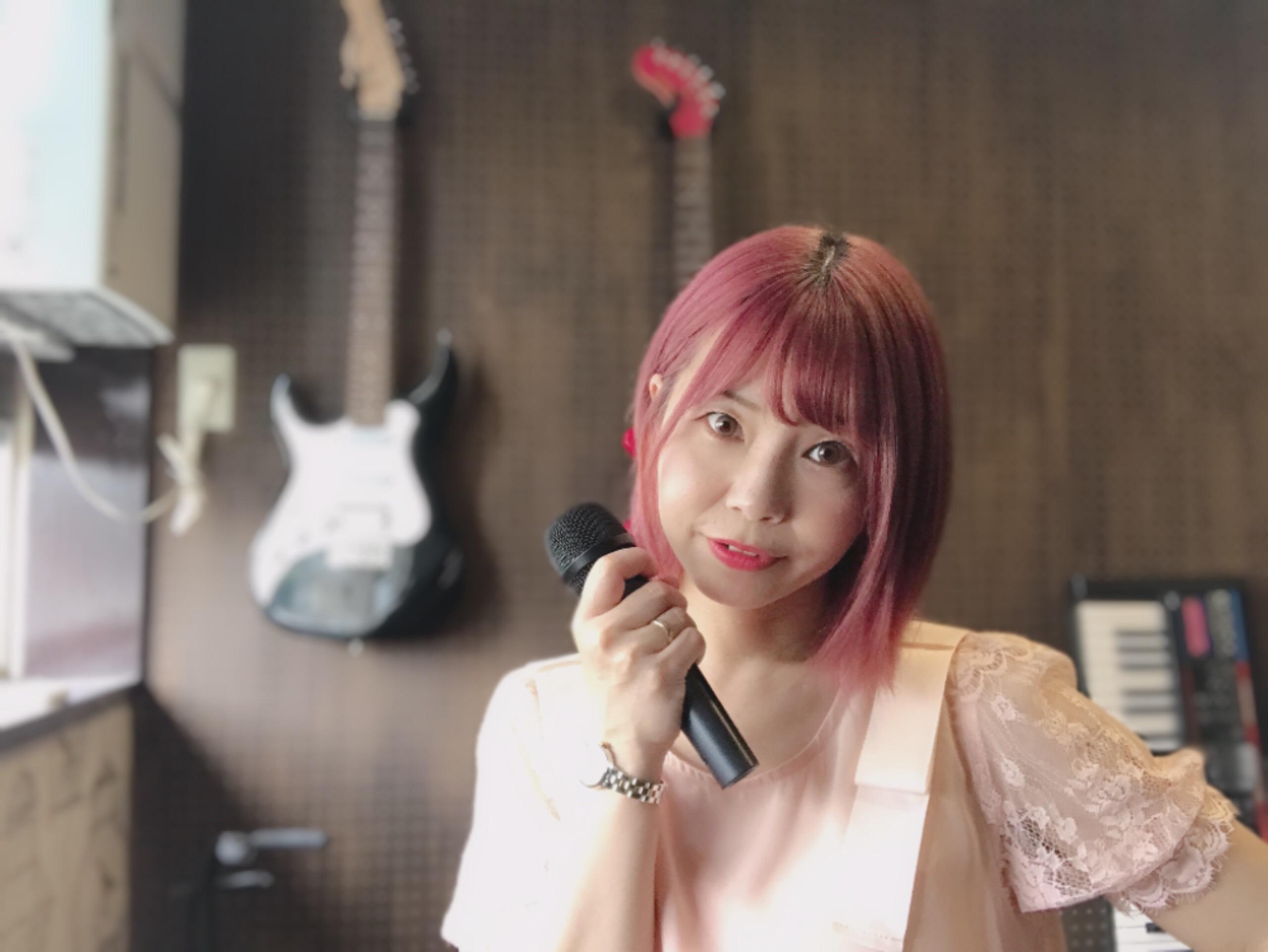 MiKiの「ボーカル・アニソン・K-POP教室」